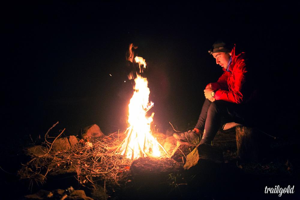 Bei diesem Wetter bedenkenlos möglich: Das Feuermachen.